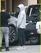 zac-efron-car-breaks-down-while-out-in-beverly-hills-02.jpg