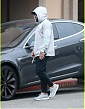 zac-efron-car-breaks-down-while-out-in-beverly-hills-05.jpg